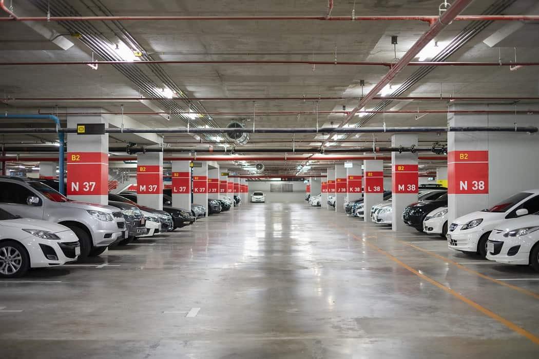 Mall Parking Lot Light Repair Service