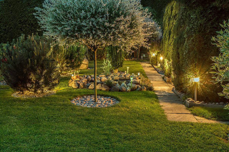 Residential Landscape Lighting Service